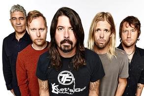 Los Foo Fighters cancelaron su gira europea tras el accidente de Grohl