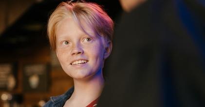 Se seleccionan chicos y chicas gender fluid de 16 a 18 años para cortometraje