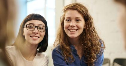 Se buscan hombres y mujeres de 18 a 30 años que hablen un idioma extranjero para proyecto