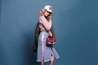 Se busca modelo femenina de 15 a 35 años para campaña de look-book