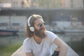 Se seleccionan hombres con barba larga para proyecto