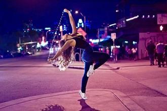 Se buscan bailarinas de cumbia y reggaeton