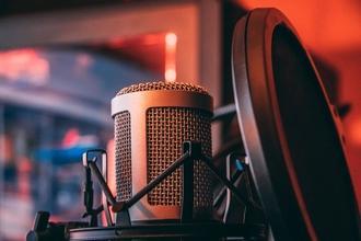Se buscan voces para proyecto comerical