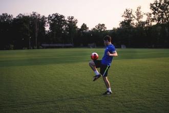 Se necesitan actores hombres entre 18 y 27 años que jueguen al fútbol para tira TV