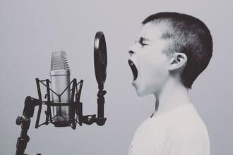 Se buscan cantantes de 6 a 20 años