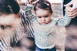 Se requieren bebés que estén aprendiendo a caminar para proyecto remunerado