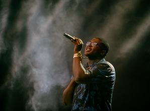 Se solicitan cantantes mayores de 18 años para programa de TV online