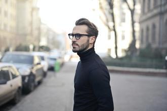 Se seleccionan hombres modelos para proyecto de moda