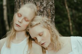 Se requieren gemelas de 20 a 27 años para rodar en video musical en Buenos Aires