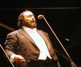Se requiere actor parecido a Pavarotti para video de fin de año de empresa