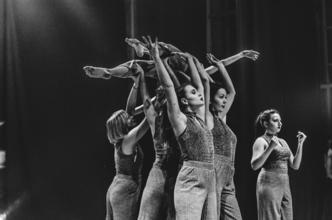 Se requieren bailarinas de 18 a 25 años para obra de teatro en el centro de Buenos Aires