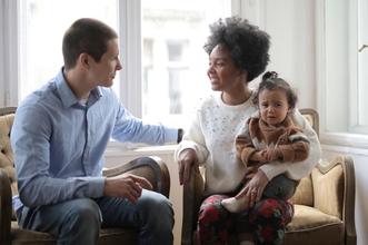 Se buscan familias multiétnicas que estén juntas en la cuarenta para proyecto