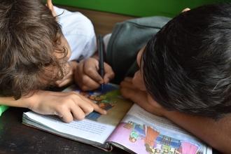 Se necesitan niños varones de 5 a 8 años, que vayan a turno tarde de colegio, con papeles al día