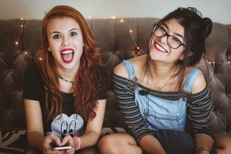 Se seleccionan teens (ambos sexos) de 13 a 18 años con estilo urbano para comercial