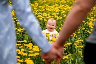 Se solicita actor ó actriz con bebé que esté aprendiendo a caminar para proyecto remunerado