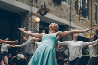 Se convoca coreógrafo o coreógrafa para musical