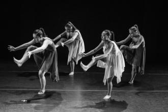 Se solicita coreógrafa o coreógrafo para musical