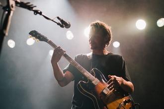 Se busca cantante que toque guitarra para banda de rock de covers en Palermo o Belgrano