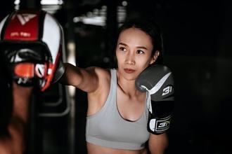 Se solicita modelo asiática para publicidad de marca deportiva