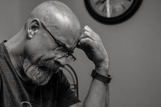 Se busca hombre calvo de 57 años para trailer de un libro en CABA