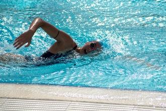 Se precisan mujeres nadadoras de 16 a 21 años para comercial
