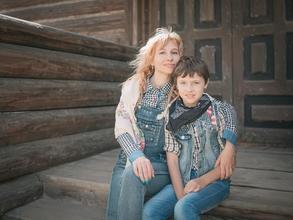 Se selecciona madre con hijo varón de 10 a 14 años para campaña publicitaria