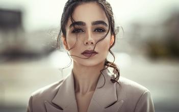 Se requieren hombres y mujeres modelos de 23 a 35 años con buen cabello para publicidad