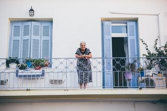Se requiere mujer de 60 a 65 años para cortometraje estudiantil remunerado