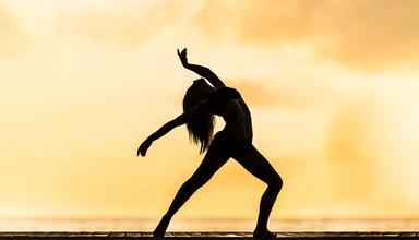 Se requieren dúos de bailarinas entre 25 y 35 años para coreografías en eventos