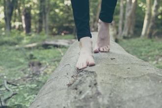 Se buscan hombres modelos de pies de 18 a 50 años para publicidad