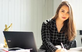 Se buscan mujeres con curvas para proyecto remunerado