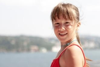 Se seleccionan niñas y niños de 8 a 12 años que sepan algún tipo de acrobacia para comercial