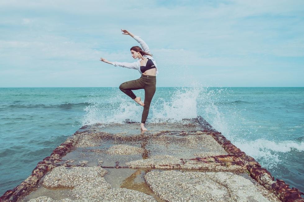 Se buscan bailarines/as y coreógrafos/as de danza contemporánea