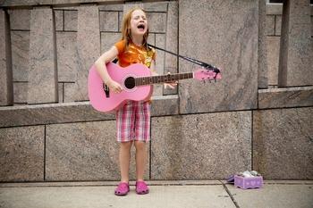 Se precisan cantantes ambos sexos de 8 a 16 años para grupo de repertorio