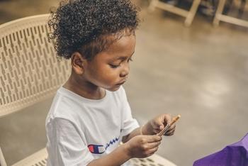 Se precisan nenes afros varones entre 5 y 14 años para publicidad
