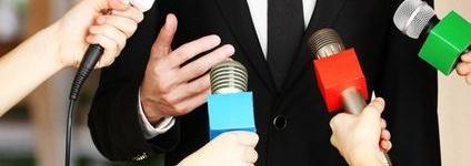Presentador y presentadora